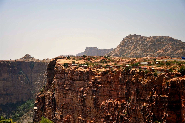 اكتشفي معنا جبال السروات السعودية أنوثة Ounousa موقع الموضة