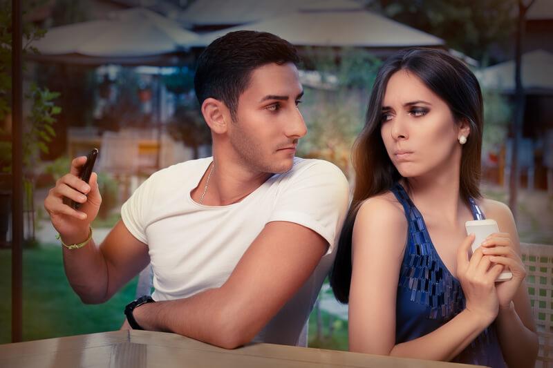 إشارات تكشف أن الزوج يحب أخرى أنوثة Ounousa موقع الموضة والجمال للمرأة العربية