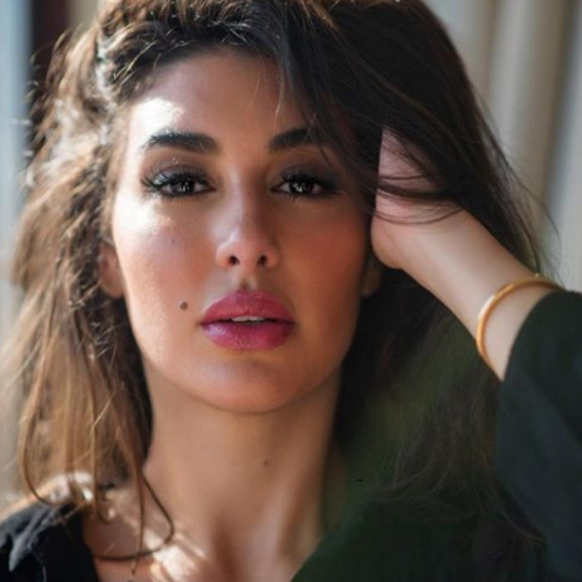 ياسمين صبري في جلسة تصوير
