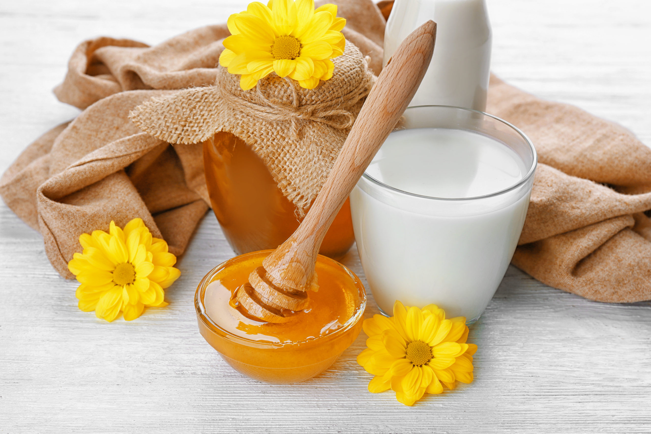 mask of honey and milk