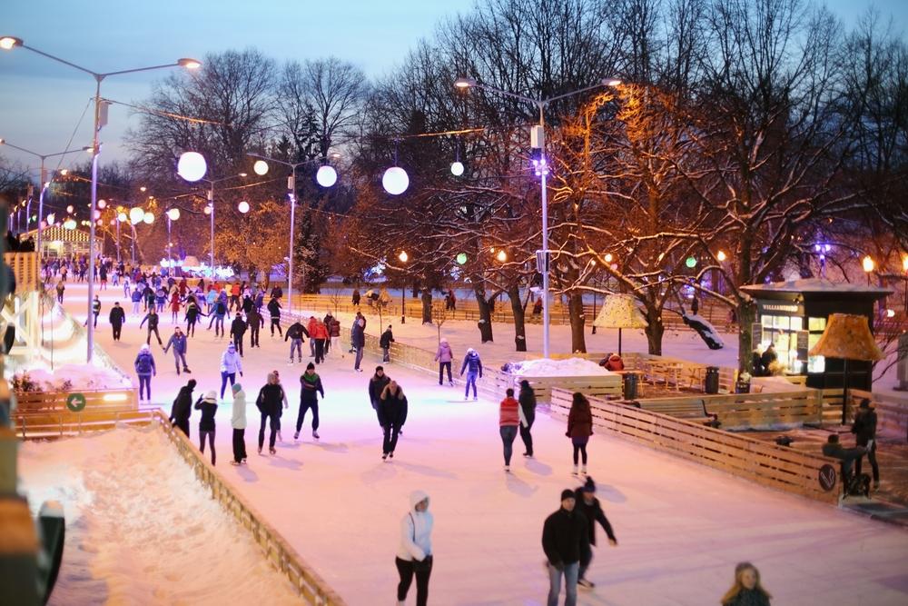 اكبر حلبة للتزلج على الجليد في العالم