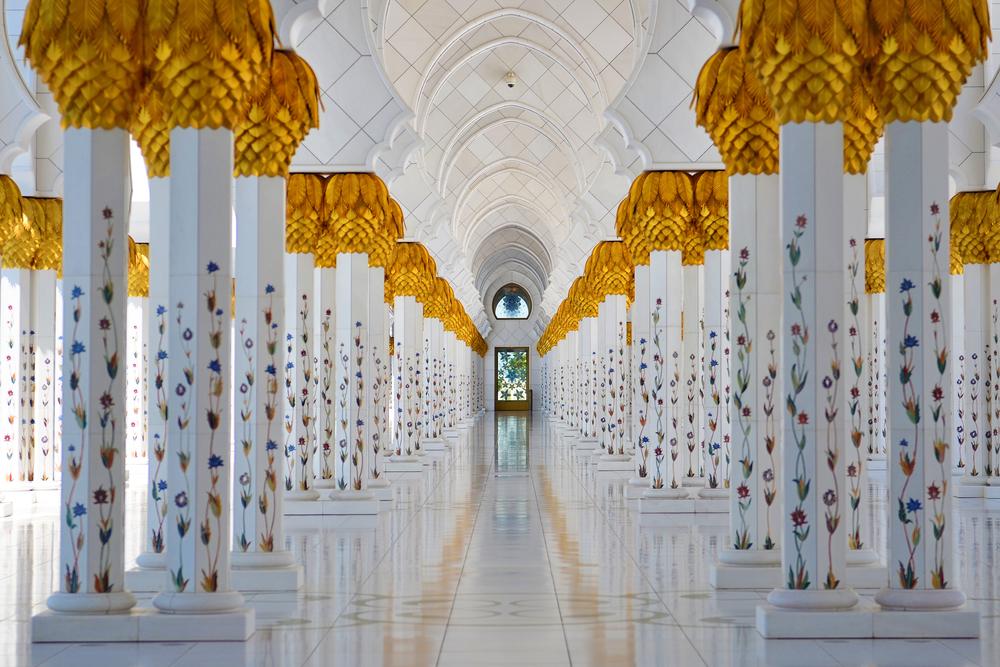 عواميد مسجد الشيخ زايد