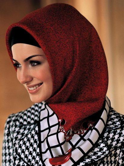 كيفية اختيار الحجاب حسب لون البشرة