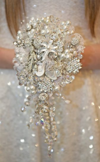 مسكات كريستال للعرائس