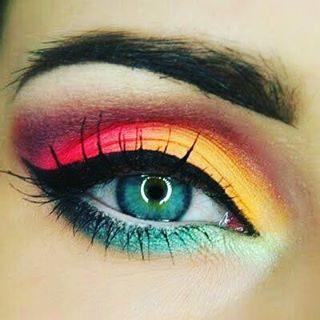 مكياج عيون بالألوان النارية الرائعة