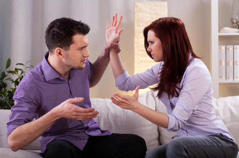 اخطاء تحدث بين المتزوجين حديثاً