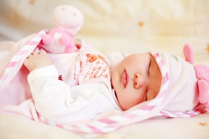طرق لضبط مواعيد نوم الطفل