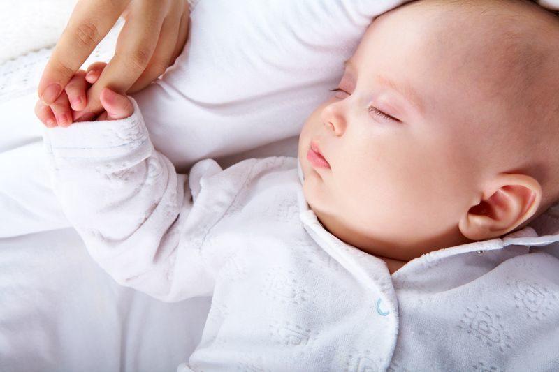 اختناق الطفل اثناء النوم