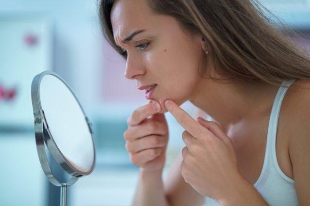 نصائح مهمّة لحماية بشرتك من الحبوب تقدّمها لك أنوثة في الموضوع التالي