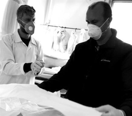 المصمّم طوني ورد يدعم المستشفيات التي تستقبل مصابي فيروس كورونا - أنوثة