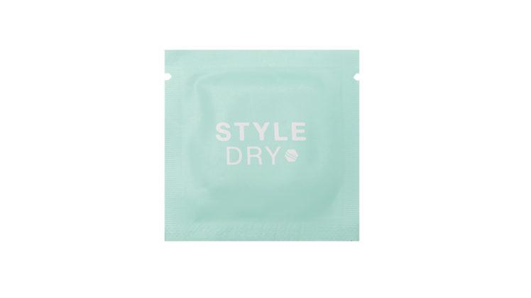 كيف كانت تجربتنا لأوراق امتصاص الدهون Dry Shampoo With Blotting Paper من علامة Style Dry? اكتشفي كلّ التفاصيل في هذه المراجعة من موقع أنوثة.
