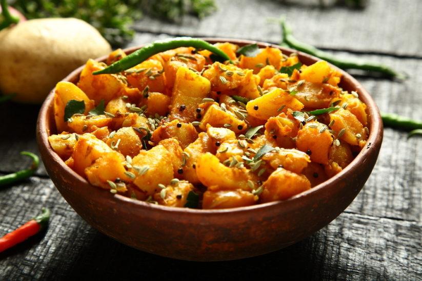 البطاطس الهندية من اشهر الاطباق التي يتميز بها المطبخ الهندي اليك كيفية تحضيرها