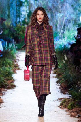 أزياء رالف أند روسو خريف وشتاء 2020 ضمن أسبوع الموضة العالمي في باريس