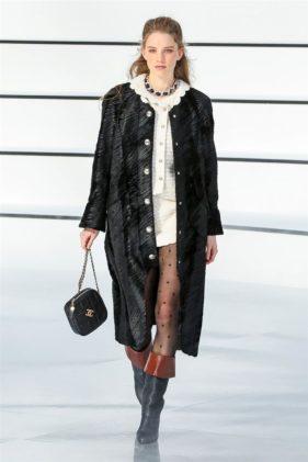 أزياء شانيل خريف وشتاء 2020 ضمن اسبوع الموضة العالمي في باريس