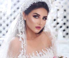 رافقينا في هذا الألبوم وتأملي مجموعة صور لتسريحات ملكية مخصصة للعرائس اللواتي يحببن الستايلات الفاخرة والراقية، وذلك من موقع أنوثة.