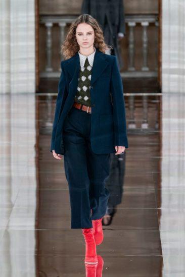 أزياء فيكتوريا بيكهام خريف وشتاء 2020 ضمن أسبوع الموضة العالمية في لندن