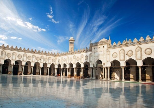 تعرّفي مع أنوثة في الموضوع التالي إلى السياحة الدينيّة في مصر
