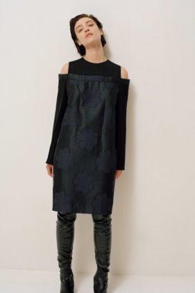 أزياء نينا ريتشي ما قبل خريف 2020 مناسبة للاطلالات العملية والكاجوال مع لمسة من الدفء الشتوي