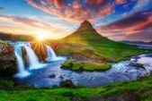 <strong>Iceland - آيسلندا<br /><br /> </strong>تعدّ آيسلندا من أجمل الوجهات السياحية إذ تشتهر بطبيعتها الخلابة، كما تضمّ عدداً كبيراً من البراكين التي نذكر منها بركاني إلتسفيل وهيردوبريد. وغالباً ما يعمد السياح إلى إكتشاف المناطق الآمنة والمحيطة بالبراكين.