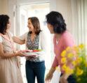 تفسير حلم جارتي تدخل بيتي – أنوثة
