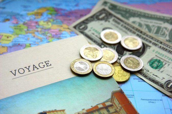 تكلفة السفر لأوروبا - أنوثة