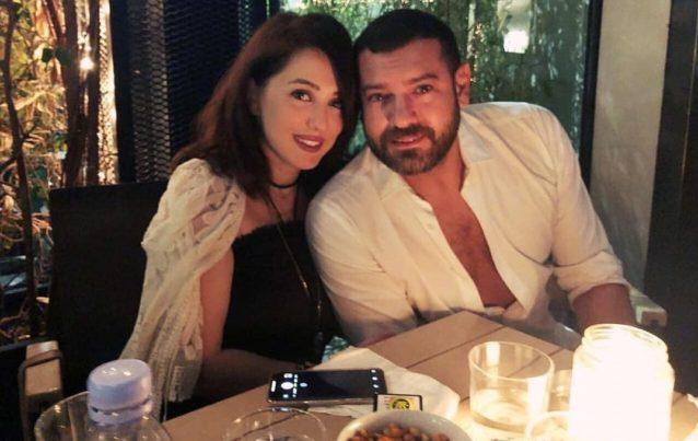 """<p dir=""""RTL"""">لدى الثنائي طفلة تدعى حياة، وقد صرحت كندة في إحدى مقابلاتها أن عمرو يحاول قضاء وقت طويل مع ابنته كما وأنه أب حنون للغاية.</p>"""