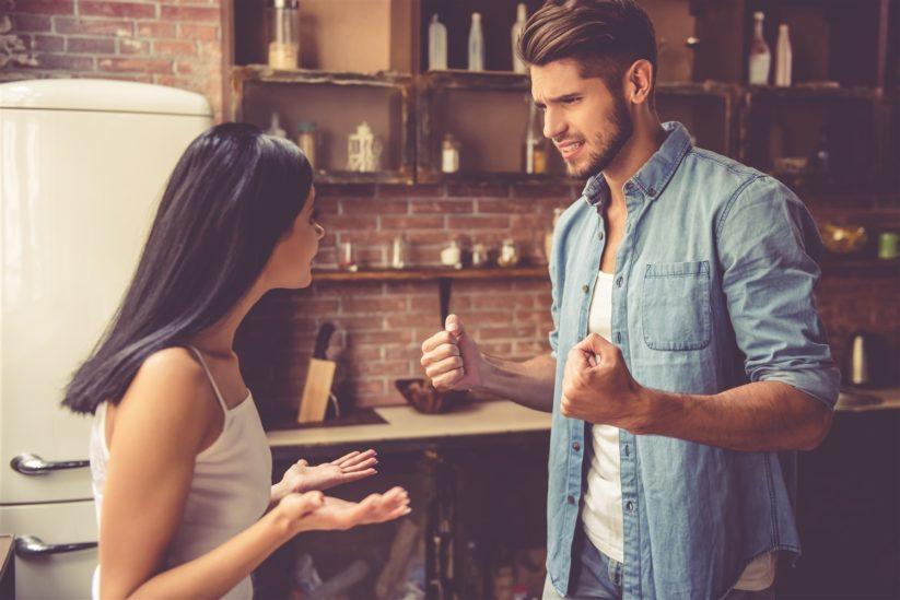 الخلاف مع الزوج في المنام – أنوثة
