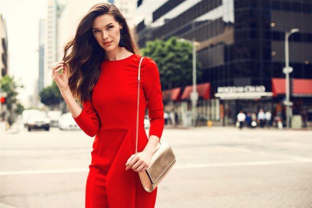 تفسير حلم فستان أحمر للعزباء – أنوثة