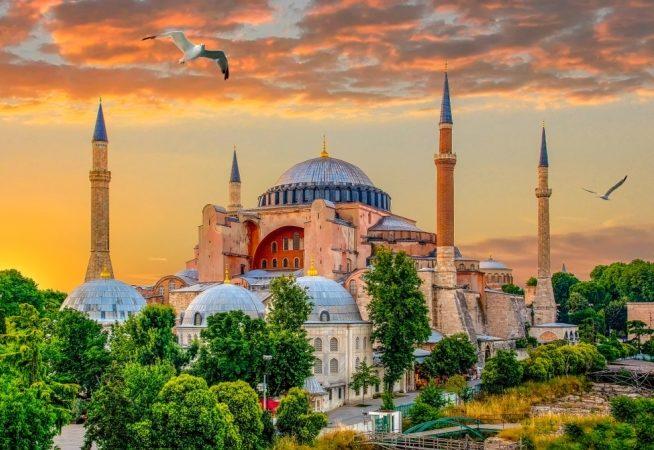هل السفر إلى تركيا أمان 2019 - أنوثة