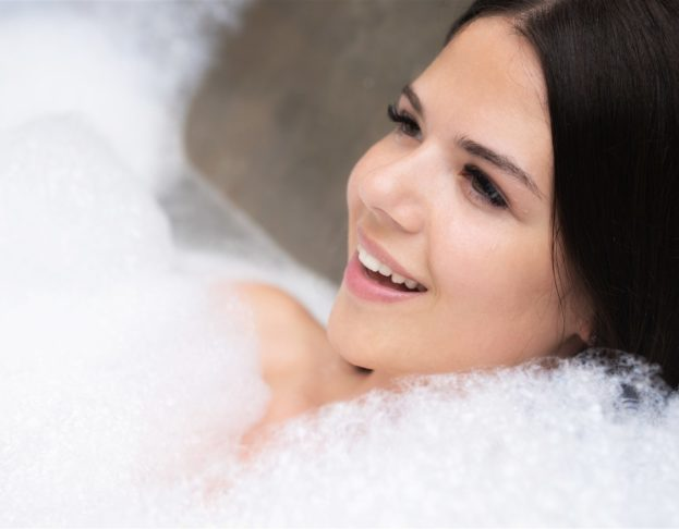 اختبار رائحة غسول الجسم حسب الشخصية - أنوثة