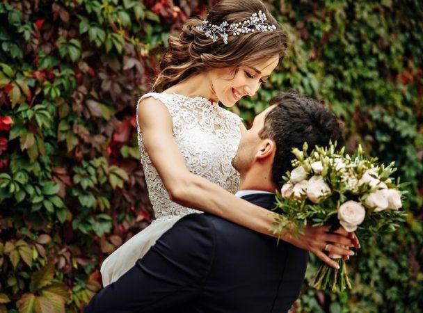 توافق برج الجوزاء في الزواج - أنوثة