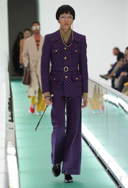 <p><strong>غوتشي - Gucci </strong></p> <p>الازياء المنقطّة أو صيحة البولكا دوت من أكثر الصيحات رواجاً في شتاء 2020 وقد رأيناها في العديد من عروض المصمّمين العالميين. فيمكن أن تختاريها للبدلة الرسمية أو الفستان أو أي قطعة أخرى.</p>