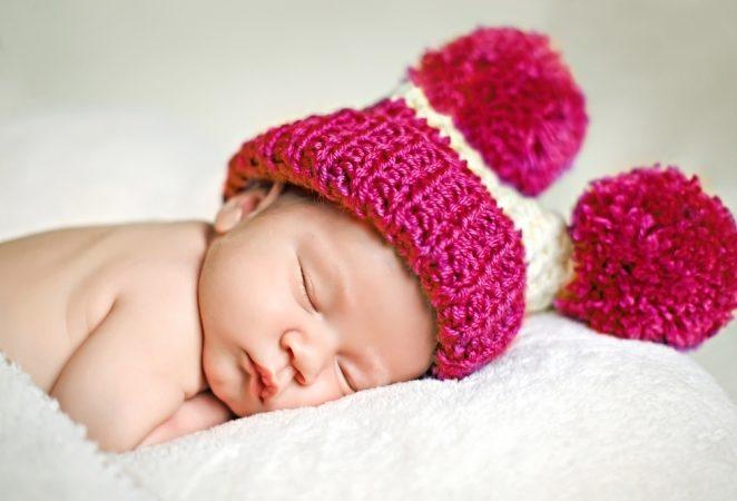 طفلي الرضيع لا ينام - أنوثة