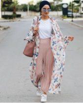 يمكنك اعتماد ربطة الحجاب على شكل توربان ما يساعد في منحك اطلالة عصرية عند تنسيقه مع أزيائك اليومية.