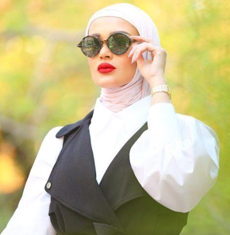 كيف ترتدين النظارات الشمسية مع الحجاب؟