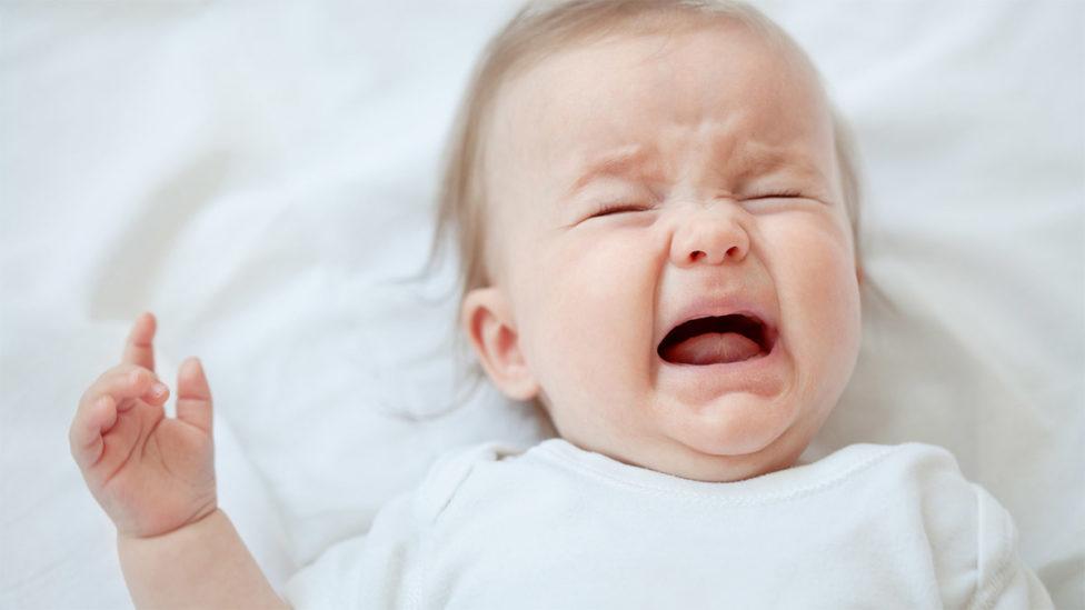 اسباب بكاء الرضيع في شهره الاول