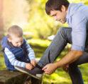 متى أعلم طفلي ربط حذائه- أنوثة