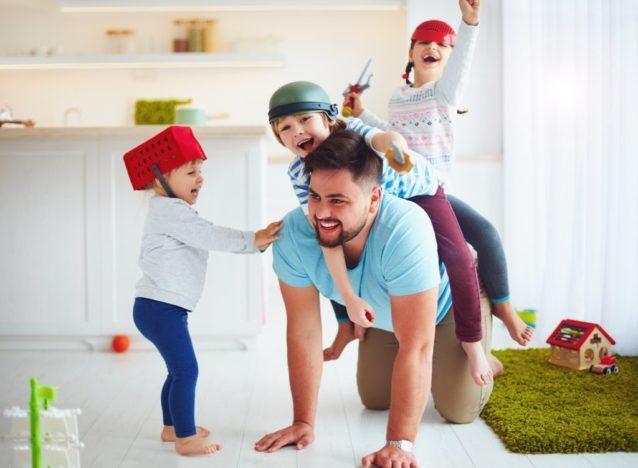 دور الأب في تربية الأبناء - أنوثة