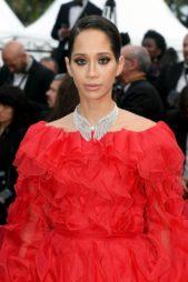 <p><strong>Lana el Sahely - لانا الساحلي</strong></p> <p>لتكون إطلالتها اكثر اناقة وسحراً اختارت النجمة لانا الساحلي أن تنسق مع فستانها الاحمر عقداً من الماس البراق من دار ميسيكا.</p>