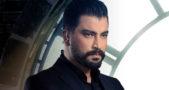 "<p dir=""RTL""><strong>معتصم النهار</strong></p> <p dir=""RTL"">يشارك الممثل السوري معتصم النهار قصي خولي في بطولة مسلسل ""خمسة ونص"" بدور الحارس الذي يعيش حياة تضحية من أجل صديقه الذي يحتل منصباً هاماً في السلطة.</p>"