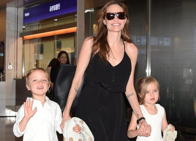 "<p dir=""RTL""><strong>انجلينا جولي </strong><strong>Angelina Jolie</strong></p> <p dir=""RTL"">أنجبت النجمة انجلينا جولي توأمها ""فيفيان"" و""نوكس"" من الممثل الشهير براد بيت في العام 2008 وهما يشبهان والدتهما بشكل كبير.</p>"