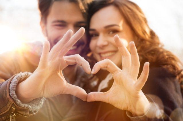 توافق برج الأسد والثور في الحب - أنوثة