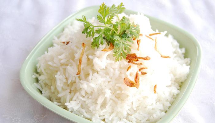 تجنب تعجن الأرز خلال طبخه
