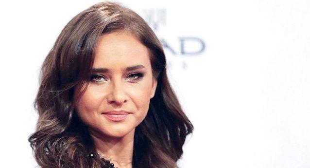 """<p dir=""""RTL""""><strong>نيللي كريم</strong></p> <p dir=""""RTL"""">بعد أن استطاعت الممثلة المصرية نيللي كريم التواجد في مواسم رمضان السابقة بتمثيلها المتميز، الا أنها كسرت هذه المرة العادة لتغيب في رمضان العام 2019.</p>"""