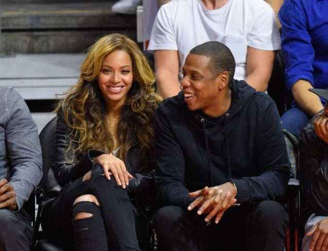 "<p dir=""RTL""><strong>بيونسيه<br /> </strong><strong>Beyonce</strong></p> <p dir=""RTL"">الفنانة الشهيرة بيونسيه والمتزوجة من مغني الراب جاي زي Jay Z تعتقد أن الثقة بالنفس ضرورية جداً في العلاقة الزوجية، وعلى كل امرأة أن تحافظ عليها مهما واجهت من صعوبات ومطبات في حياتها.</p>"