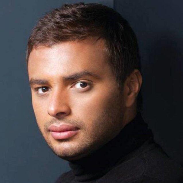 الفنان رامي صبري من بين النجوم الذين اتهموا بسرقة الاغاني وتحديداً اغنية النجمة هيفاء وهبي قلت ايه.