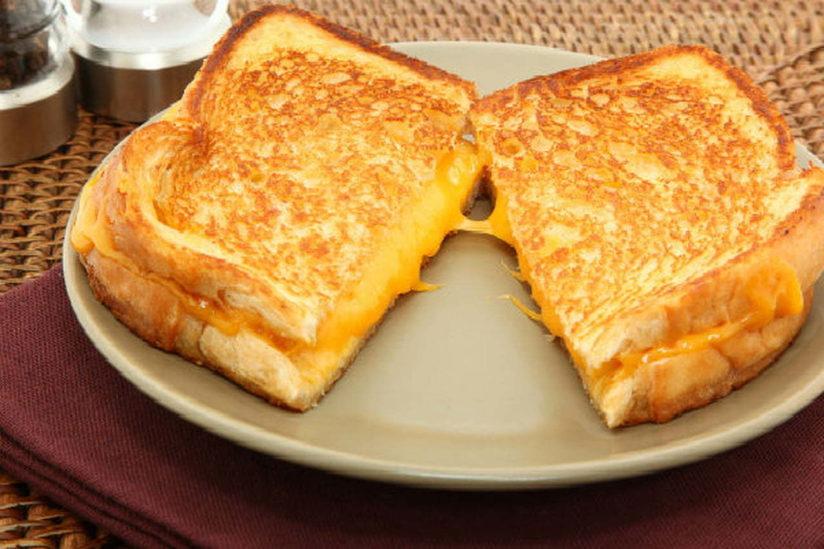 توست مقلي بالجبن