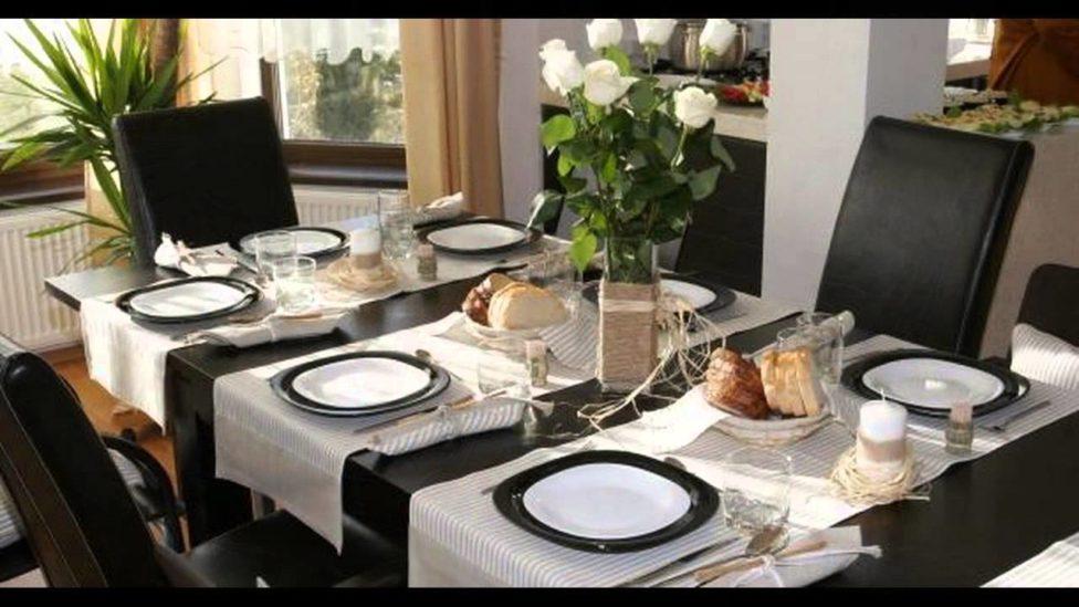 اتيكيت ترتيب طاولة الطعام