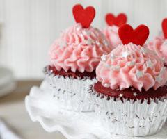 افكار لتزيين الاطباق في عيد الحب
