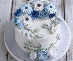 تزيين الكيكة بالكريما